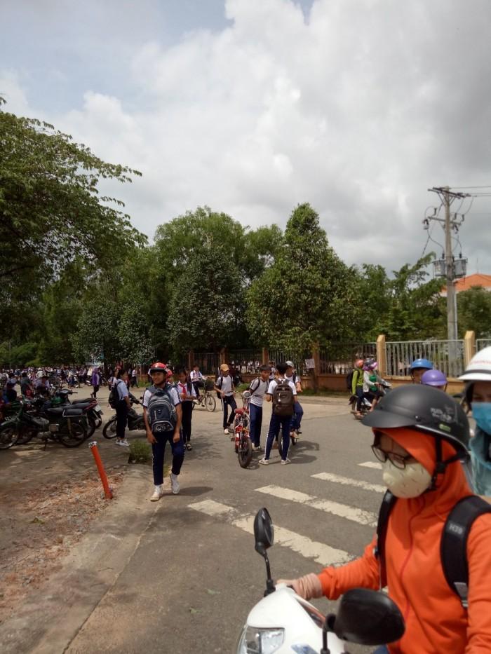 Gia Đình Cần Bán Nhanh 600m2 Đất, Thổ Cư, Shr Dân Cư Đông, Vị Trí Gần Trường Đại Học.