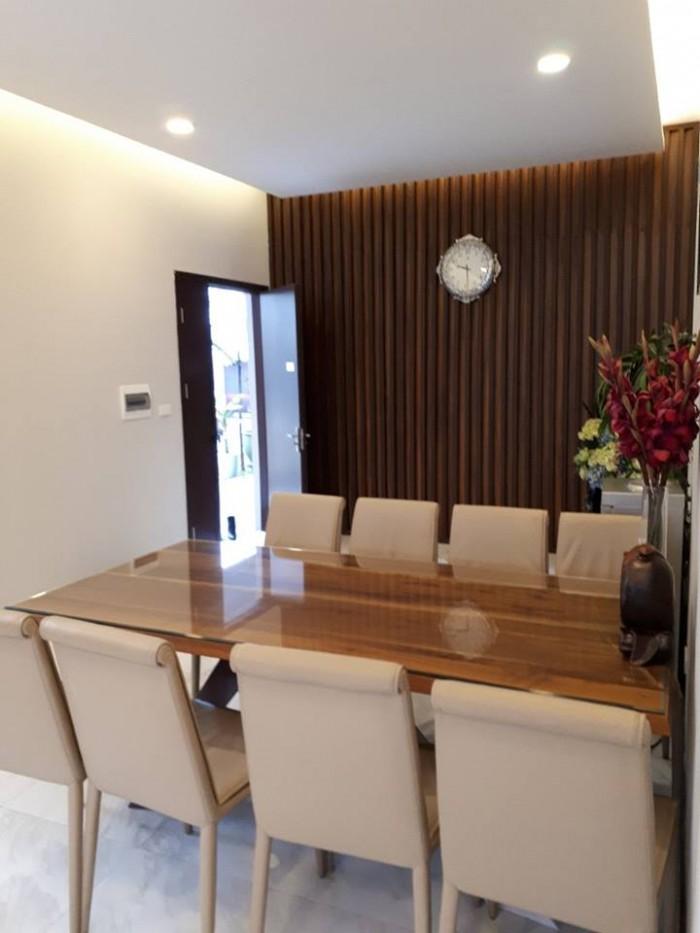 Chính chủ cần bán căn chung cư 3 ngủ giá 23tr/m2 ở Nguyễn Cảnh Dị view hồ Định Công