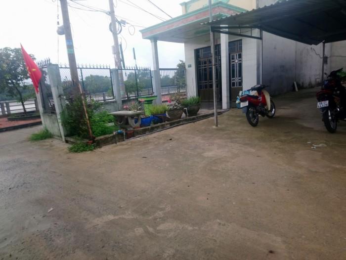 Bán gấp 176m2 đường Lê Văn Lương Nhơn đức 100% thổ cư.