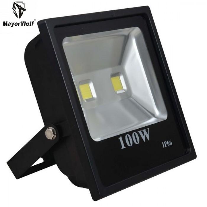 Đèn pha năng lượng mặt trời 100W tiết kiệm năng lượng phù hợp với mọi gia đình0