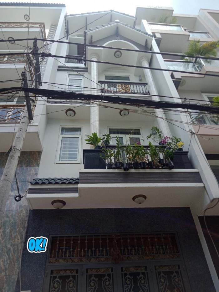 Nhà mới đẹp, hẽm xe hơi đường Trần Hữu Trang, Phú nhuận, 70m2, 4 tầng