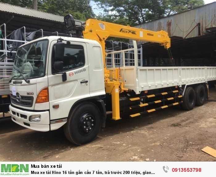 Khuyến mãi trả góp mua xe tải Hino 16 tấn gắn cẩu 7 tấn, trả trước 200 triệu, giao xe ngay - GỌI 013553798 (24/24)