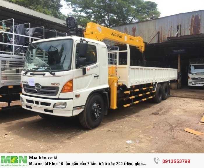 Khuyến mãi mua xe tải Hino 16 tấn gắn cẩu 7 tấn, trả trước 200 triệu, giao xe ngay - GỌI 013553798 (24/24)
