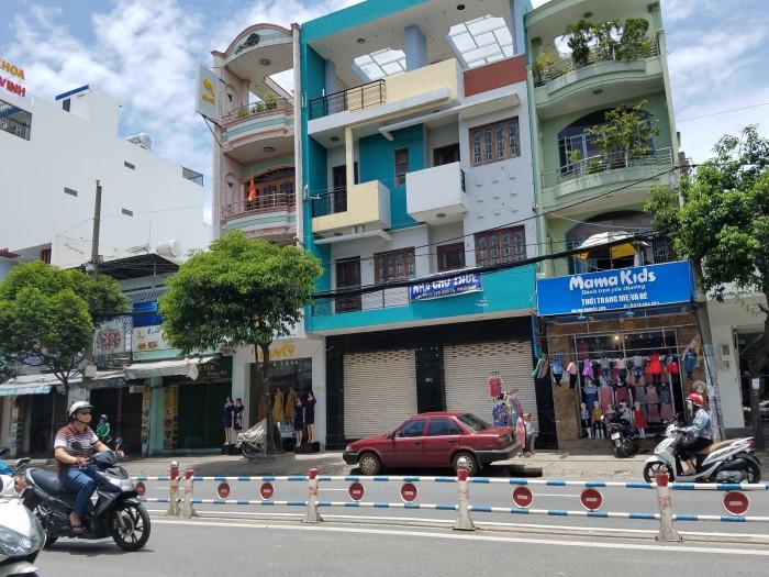 Bán gấp nhà mặt tiền nở hậu tại 367 Trần Thủ Độ, Tân Phú