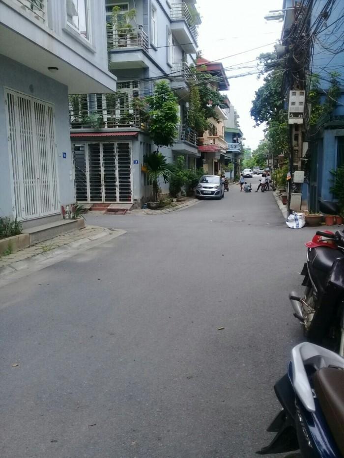 Bán đất mặt phố Cổ Linh, cuối đường TB,Long Biên – HN, DT 203m2.