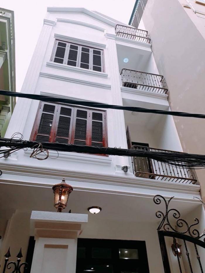 Nhà 4 tầng 42m2 Giải Phóng mt 4.2m ô tô đỗ cửa