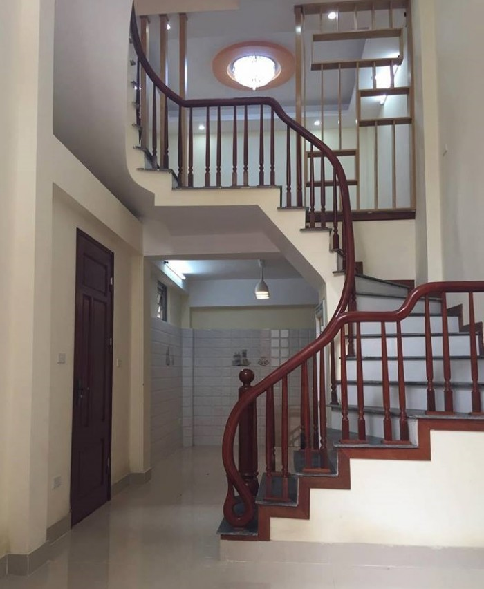 Chính chủ bán nhà 36m2*4T*5PN đường Nguyễn Khuyến-Yên Xá, hỗ trợ 80% ngân hàng.