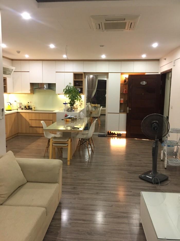 Cần bán căn hộ 3PN chung cư Green stars, Căn góc ban công Đông-Nam