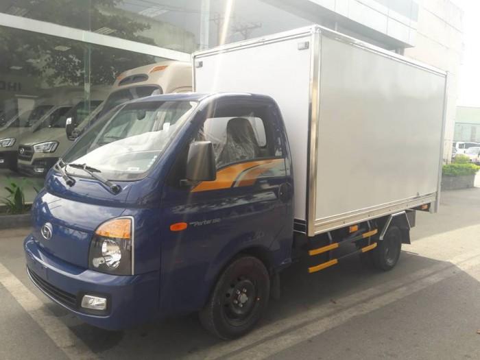 Xe Tải Hyundai H150 1.5 Tấn Thùng Kín Composite , Giao Xe Ngay Tặng Tiền Mặt Đến 20 Triệu