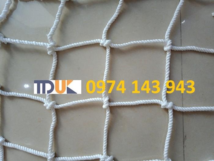 Lưới chống rơi hàng container3