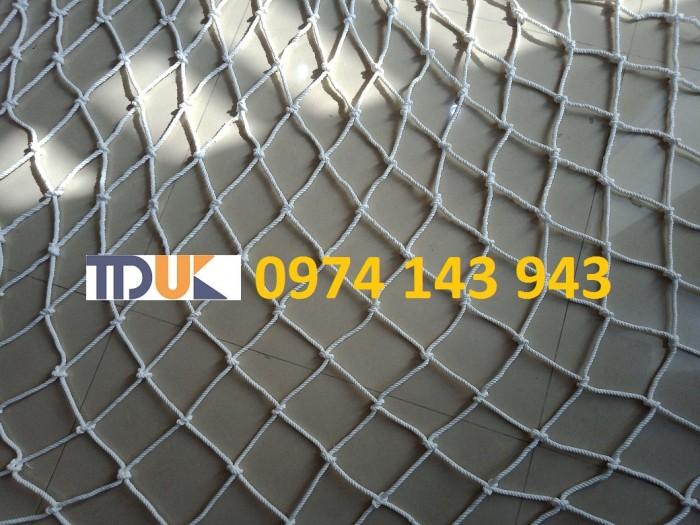 Lưới chống rơi hàng container2