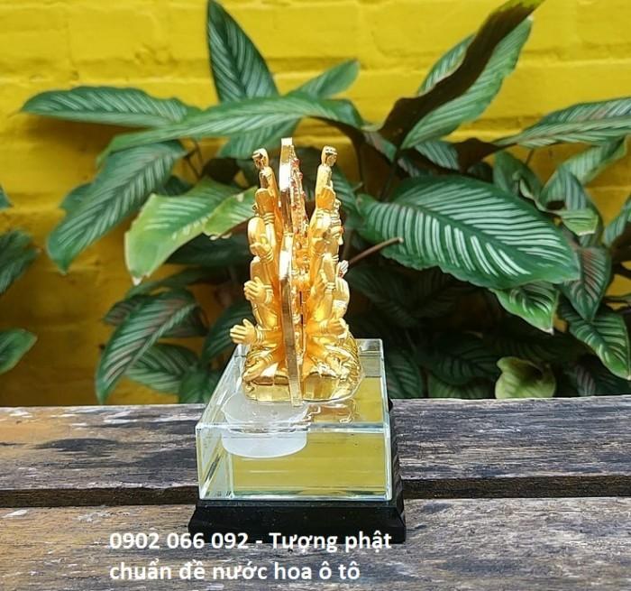 Chất liệu: hợp kim bền màu, màu sắc vàng sáng,tặng kèm nước hoa - số lượng quà tặng có hạn sẽ kết thúc khi hết hàng tặng Kích thước: 8x12,5cm, có chỗ bơm nước hoa Trọng lượng 700g5