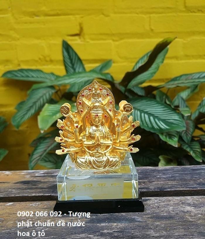Chất liệu: hợp kim bền màu, màu sắc vàng sáng,tặng kèm nước hoa - số lượng quà tặng có hạn sẽ kết thúc khi hết hàng tặng Kích thước: 8x12,5cm, có chỗ bơm nước hoa Trọng lượng 700g0