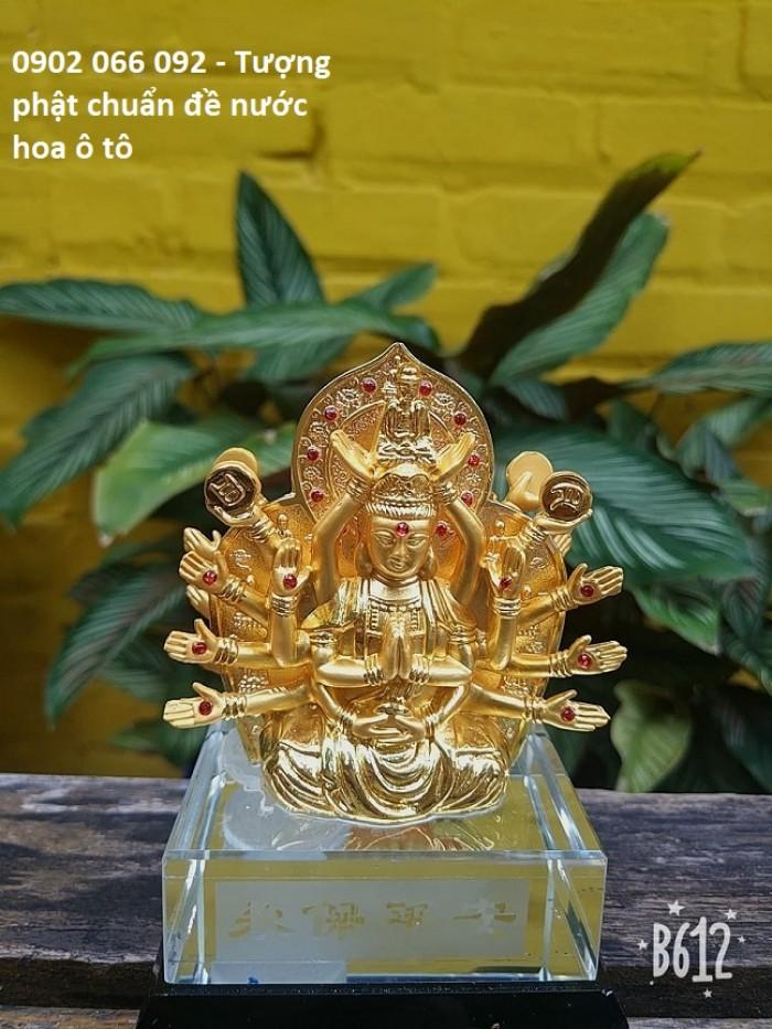 Chất liệu: hợp kim bền màu, màu sắc vàng sáng,tặng kèm nước hoa - số lượng quà tặng có hạn sẽ kết thúc khi hết hàng tặng Kích thước: 8x12,5cm, có chỗ bơm nước hoa Trọng lượng 700g1