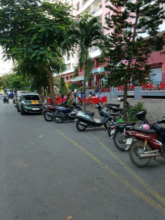 Bán lô MT đường Vành Đai Trong rộng 60m, đất nền KDC Conic giá 37.5 tr/m2, 130m2