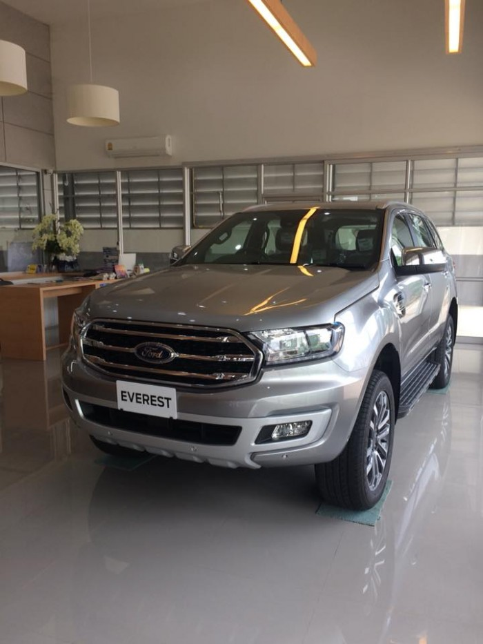 Ford Everest 2018 giao ngay