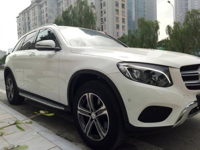 Cần bán xe Mercedes GLC 250 2017 màu trắng cực đẹp 7