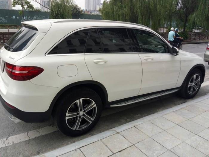 Cần bán xe Mercedes GLC 250 2017 màu trắng cực đẹp 3