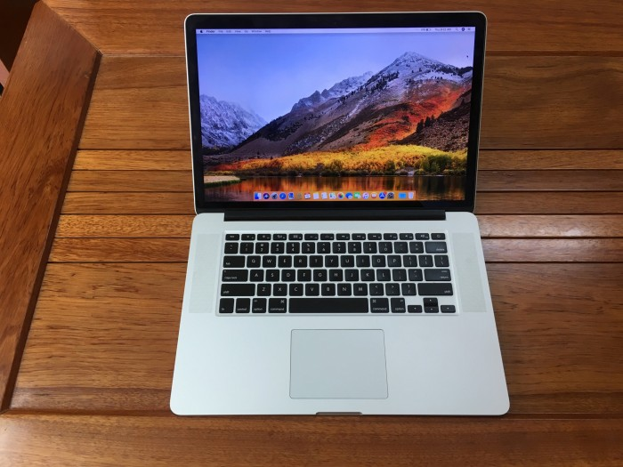 Macbook Pro Retina 15 Core i7 3820QM Ram 16 Vga 1G0