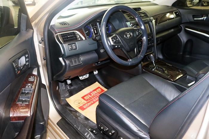 Bán xe Camry 2.5Q sản xuất 2015 màu nâu vàng