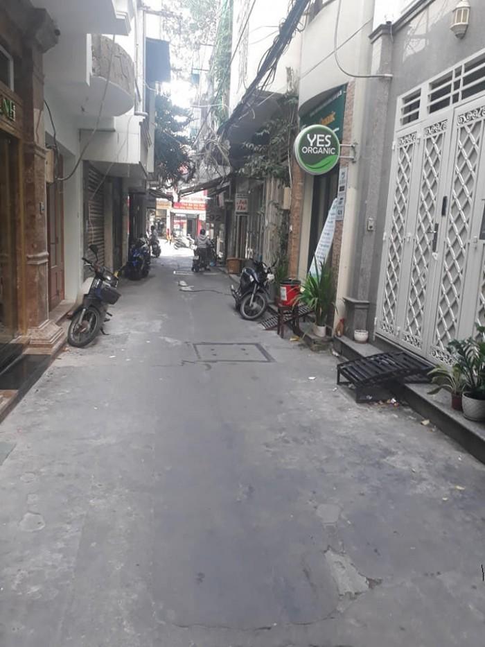 Bán nhà quận 3, Phạm Ngọc Thạch, DT 39m2, hẻm 4m, ở luôn