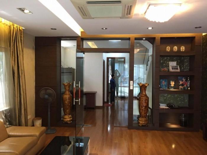 Bán nhà đẹp, chắc chắn Thái Hà 30x5 tầng.