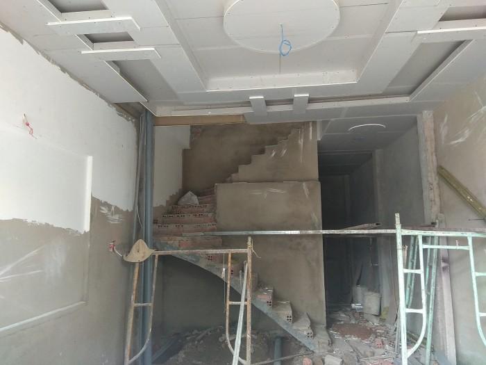 Bán gấp căn nhà 2 lầu đường 120, Q.9. Diện tích sàn 130m2