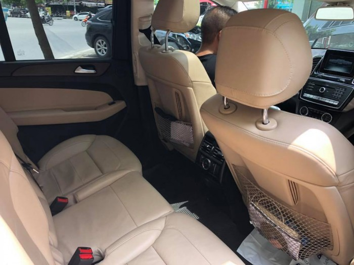 Mercedes GLS400 4Matic sx2016, màu đen, nhập khẩu Mỹ xe đi cực giữ gìn nên còn rất đẹp. 8