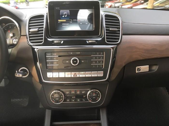 Mercedes GLS400 4Matic sx2016, màu đen, nhập khẩu Mỹ xe đi cực giữ gìn nên còn rất đẹp. 9