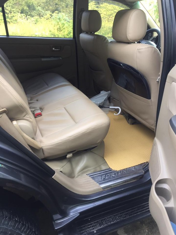 Cần bán xe Toyota Fortuner 2009 dầu số sàn, màu Xám lông chuột, 0