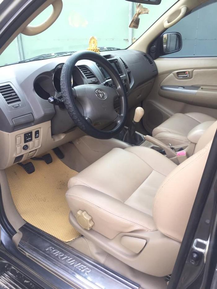 Cần bán xe Toyota Fortuner 2009 dầu số sàn, màu Xám lông chuột, 4