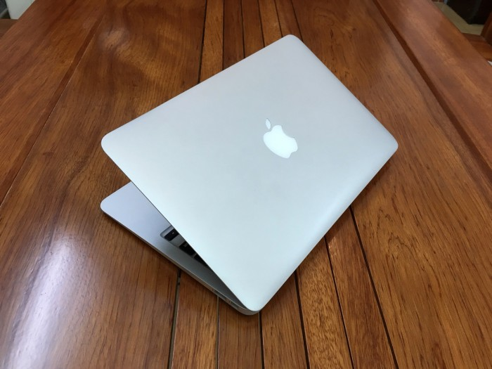 Macbook Air 11 Mid 2013 Core i5 4250 Ram 4 SSD 12810