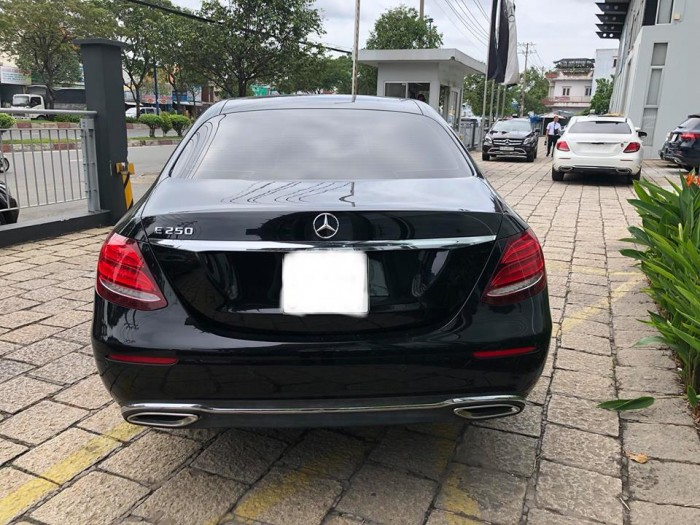 Mua Bán Xe Cũ Mercedes-Benz E250 1