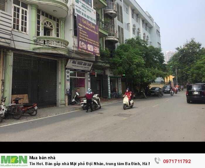 Bán gấp nhà Mặt phố Đội Nhân, trung tâm Ba Đình, Hà Nội. kinh doanh đỉnh.
