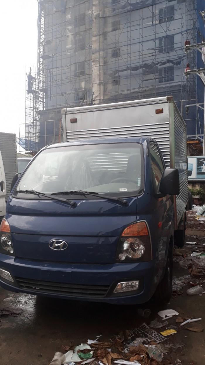 Khuyến mãi lớn mua xe tải Hyundai H150 thùng kín inox 3