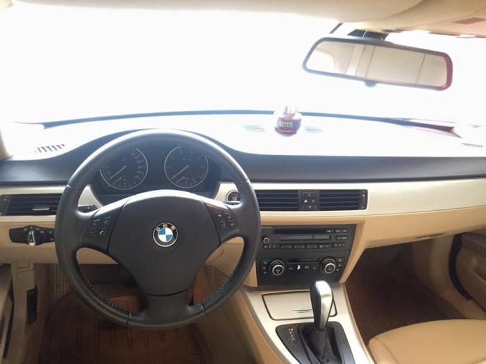 Bán em BMW 320i màu trắng dk 12/2009 tự động chạy cực đã 2