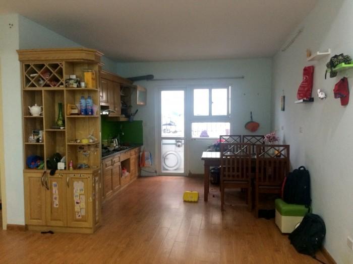 Gia đình bán căn hộ tại HH4B, căn hộ 70m2, nội thất như hình, bao tên, có thương lượng