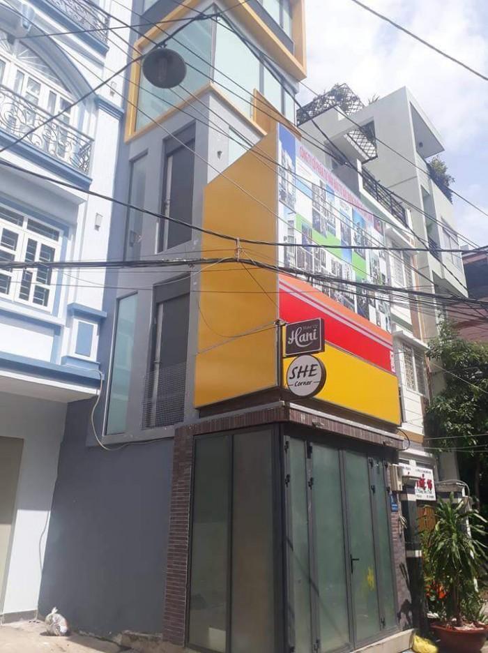 Nhà wel góc MT hẽm 8m 5 tầng 54m2 cực hiếm Trần Quang Diệu Q.3