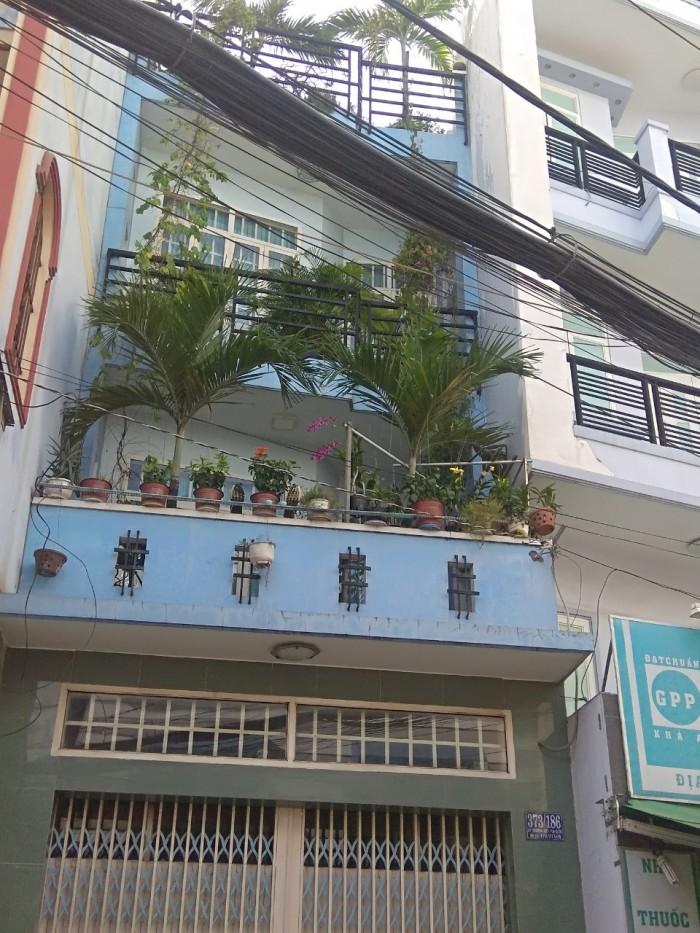 Bán nhà ngây chợ Phú Nhuận 3 tầng 35m2 chỉ 4tỷ Cao Thắng P17, Phú Nhuận