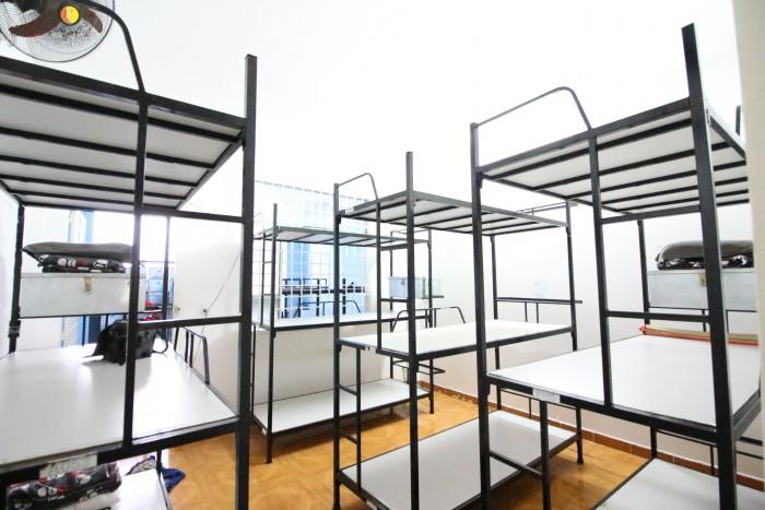 Giường sắt 3 tầng1
