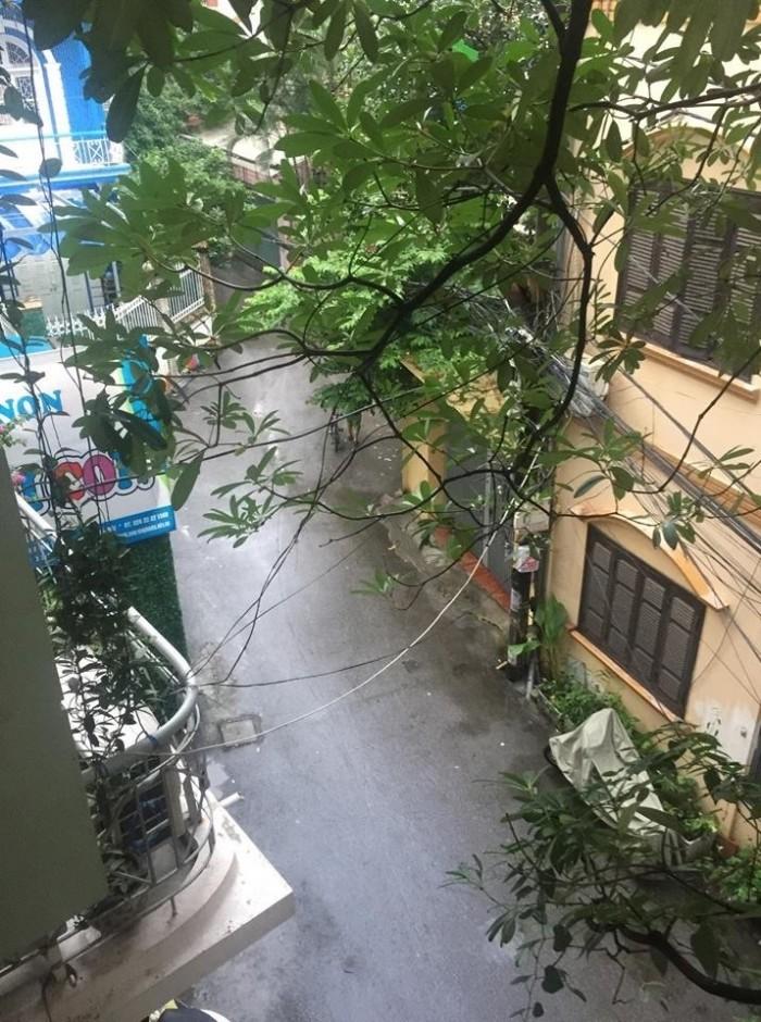 Bán đất tặng nhà ngõ rộng mặt tiền to ra phố gần, Kim Mã Núi Trúc Ba Đình 50m2x3 tầng chỉ nhỉnh 4tỷ