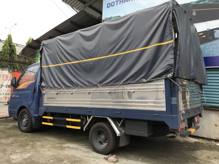 Bán xe tải Hyundai H150 1.5 tấn trả góp lãi suất thấp, thùng mui bạt - Hyundai Vũ Hùng cam kết giá xe tải rẻ nhất miền Nam - Gọi 0933638116 (Mr Hùng 24/24)