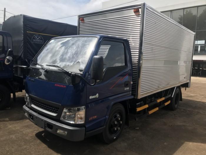 Mua xe tải Hyundai IZ49 2.4 tấn, trả trước chỉ 80 triệu, đóng thùng theo yêu cầu - Hyundai Vũ Hùng cam kết giá xe tải rẻ nhất miền Nam - Gọi 0933638116 (Mr Hùng 24/24)