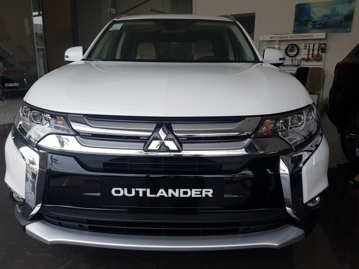 Mitsubishi Outlander 2018 hỗ trợ trả góp 80%