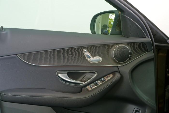 Bán Mercedes C200 2018, màu Nâu...100% mới chính hãng