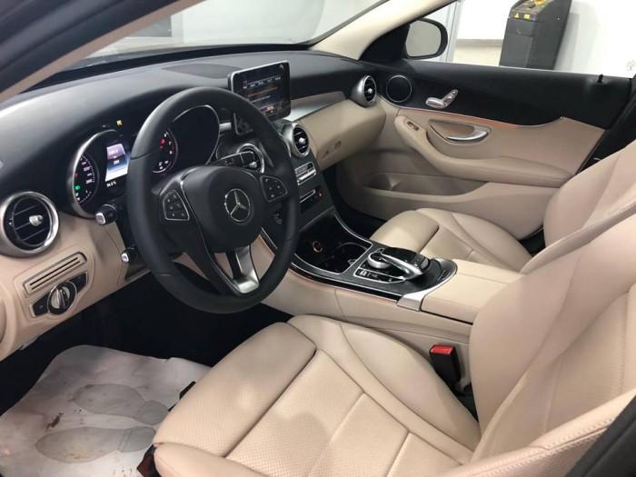 Bán Mercedes C200 chính hãng, Chưa lăn bánh 7