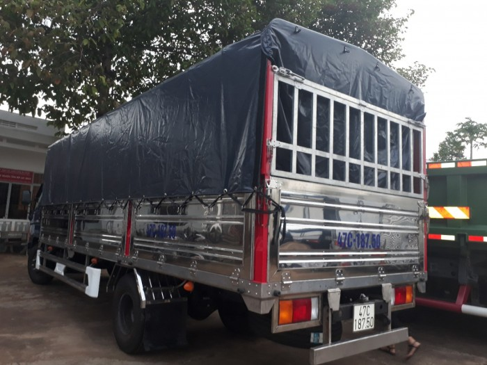 Khuyến mãi mua xe tải Hyundai HD120SL 8 tấn trả góp lãi suất thấp - Hyundai Vũ Hùng cam kết giá xe tải rẻ nhất miền Nam - GỌI 0933638116 (Mr Hùng 24/24)