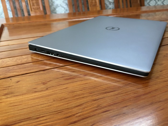 Dell XPS 13 9360 Core i7 7560u Ram 16 SSD 5123