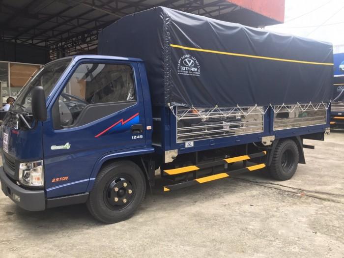 Bán xe tải Hyundai IZ49 2.5 tấn thùng mui bạt, trả trước 50 triệu, giao xe ngay - Gọi 0933638116 (Mr Hùng 24/24)