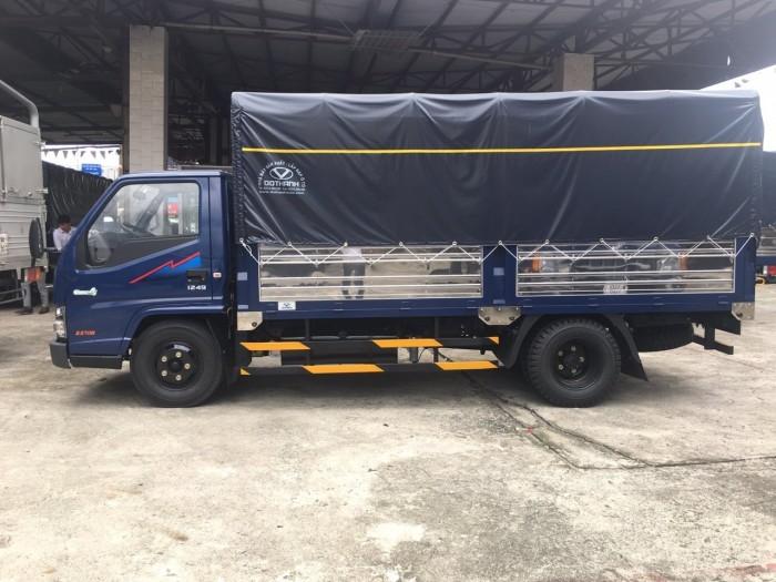 Khuyến mãi mua xe tải Hyundai IZ49 2.5 tấn thùng mui bạt, trả trước 50 triệu, giao xe ngay - Gọi 0933638116 (Mr Hùng 24/24)